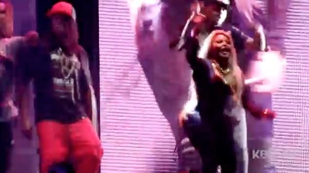 Chris Brown Dancing With Young Thug and Lil Kim (Is He Sneak Beefing Lil Wayne and Nicki Minaj?!)