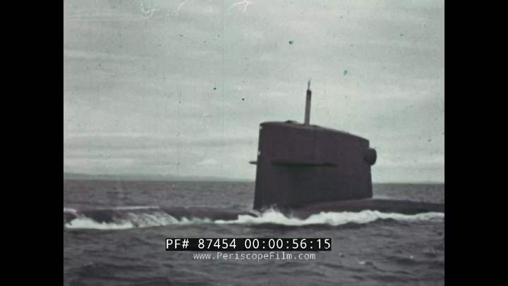 US NAVY WAITING FOR THE ROBERT E LEE POLARIS MISSILE SUBMARINE SSBN-601  87454