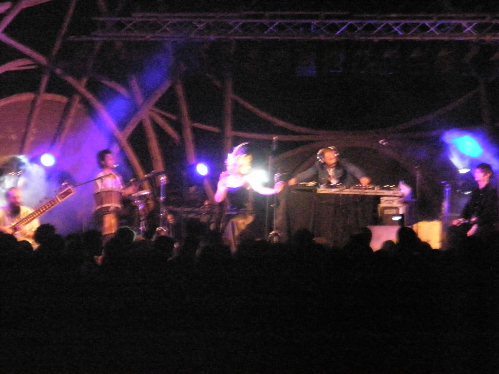 Live from the Sacred Fire Stage at the Boom Festival 2008 : Pedra