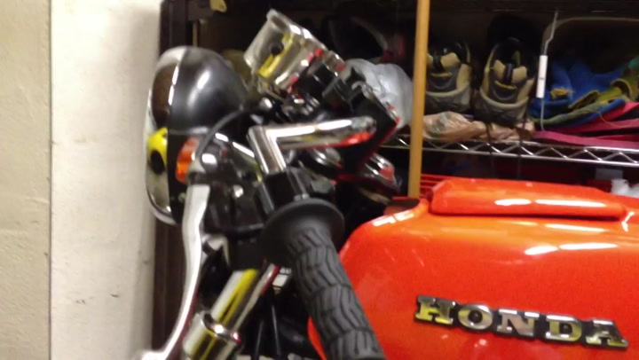 Still frame from: decaf -- my 1978 honda CB400A cafe racer modified bike -- part 2