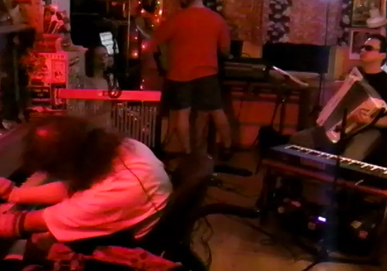 Frank Moore Live at Frank Moore's Shaman's Den on 2007-05-06 : Free