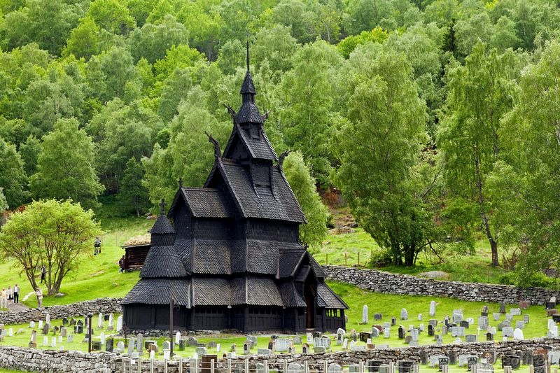 Igrejas medievais da Noruega