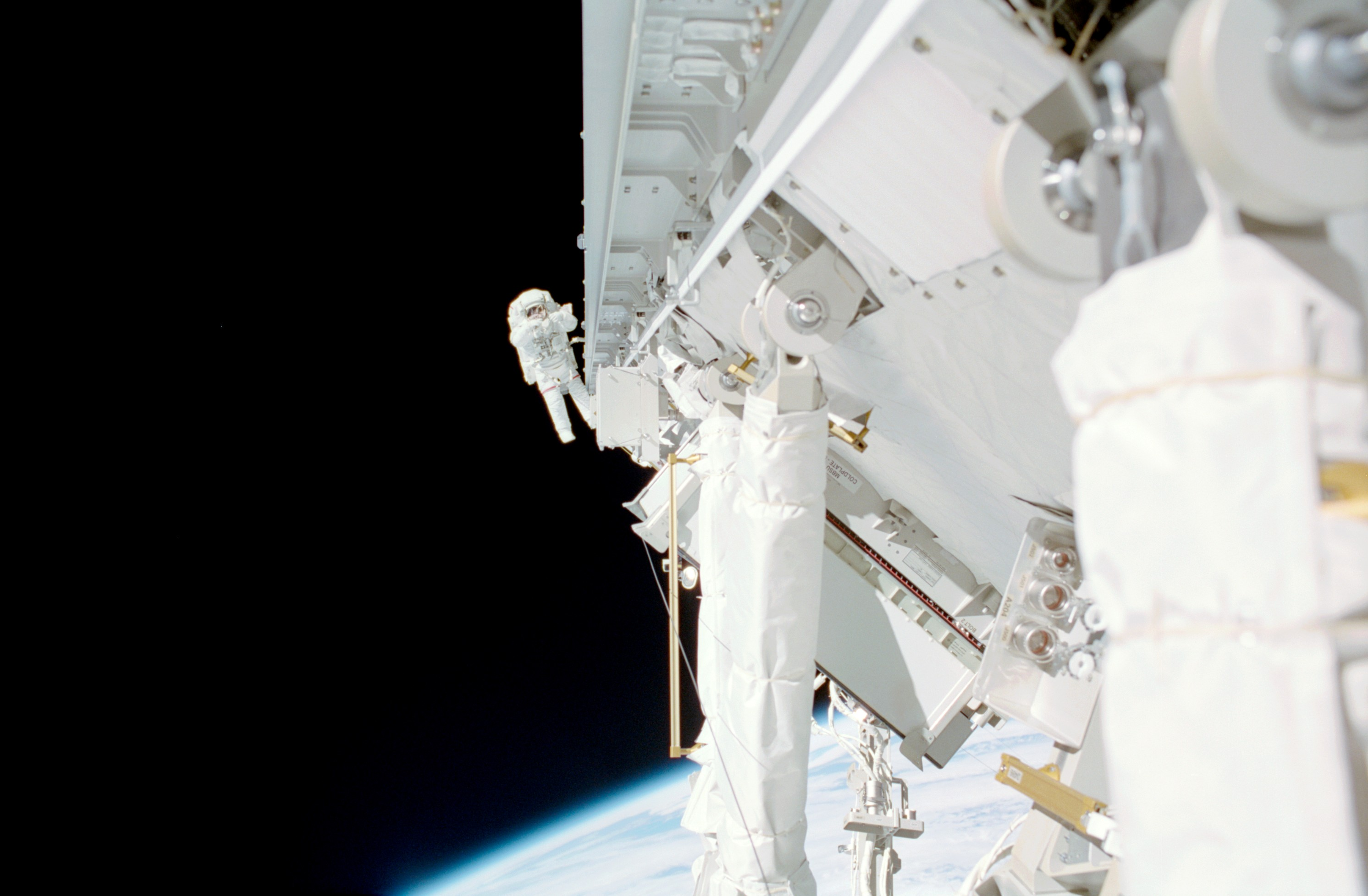 Lopez-Alegria during STS-113 E...