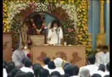 satya sai baba sings bhajans,