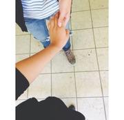 Imágenes de parejas agarrados de la mano